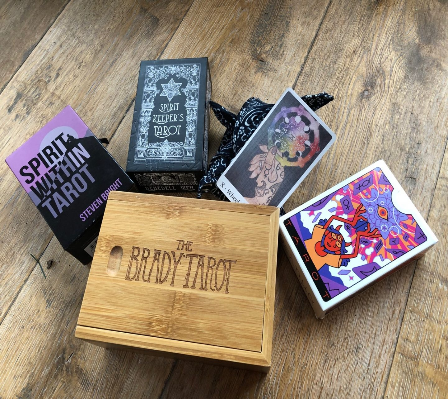 Top 5 Tarot Decks of 2018 - Liminal 11